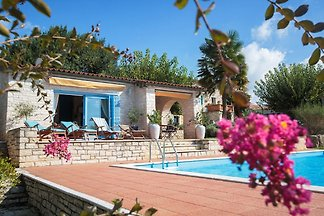 Villa with perfect sun deck overlooking the p...