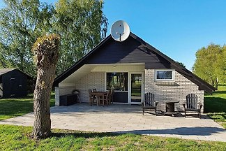 Attraktives Ferienhaus in Rødby mit Terrasse