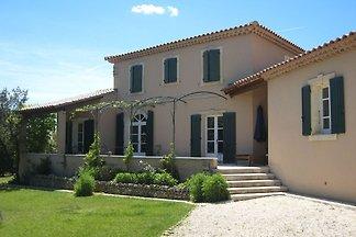 Moderne Villa in L'Isle-sur-la-Sorgue mit...
