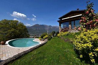 Wohnung in 2-stöckiger Villa mit Schwimmbad, ...