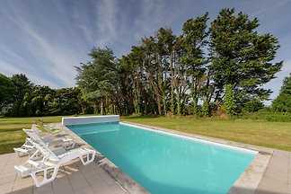 Luxuriöses Ferienhaus in Concarneau mit...