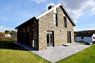 Piękny, nowy dom z dużym ogrodem, tarasem i b...