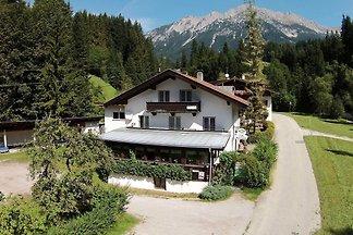 Erholsame Wohnung in Scheffaui mit Terrasse