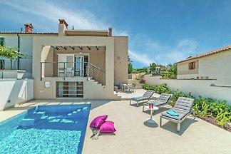 Luxuriöse Villa in Labin mit Garten