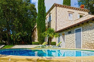 Exclusive Villa with private pool, huge fence...