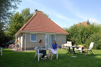 Detached bungalow with microwave and WiFi, wi...