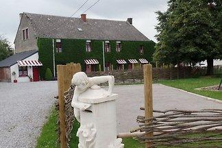 Charmantes Bauernhaus in Aublain mit grüner...