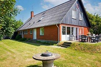 12 Personen Ferienhaus in Aakirkeby