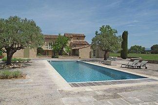 Reizvolle Villa mit eigenem Swimmingpool in...