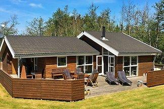 Ruhiges Ferienhaus mit privatem Whirlpool in...