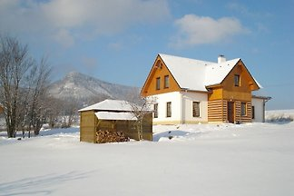 Große Wohnung in Bozanov in der Nähe des...