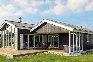 Komfortables Ferienhaus mit Hallenbad in...