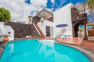 Villa Aloe mit privatem Pool in Puerto del...