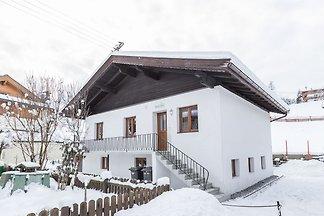 Geräumiges Chalet in Kirchberg mit Bergblick