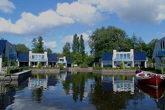 Gemütliche Villa mit Kamin an der Loosdrechts...