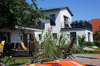 Geschmackvoll eingerichtete Villa mit Meerbli...