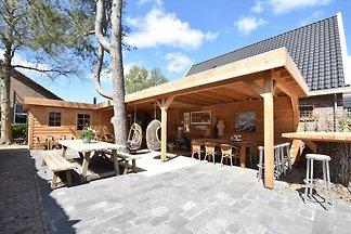 Luxuriös restauriertes Bauernhaus mit trendig...