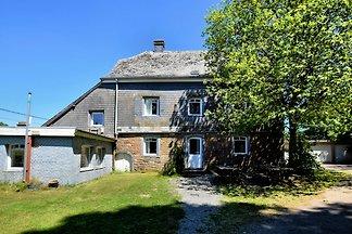 Modernes Ferienhaus in Seenähe in Robertville