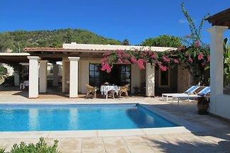 Ruhige Villa mit eigenem Swimmingpool in Cala...