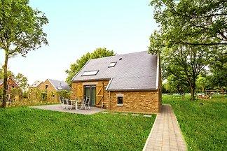 Behagliche Villa mit zwei Bädern, 4 km außerh...