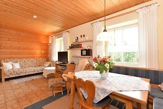 Malerisches Ferienhaus mit Sauna in Skigebiet...