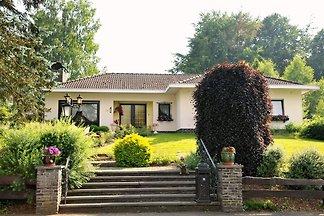 Rustig gelegen villa met fitness, sauna, zonn...