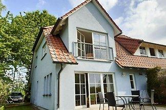 Ferienwohnungen Blaues Haus, Putbus