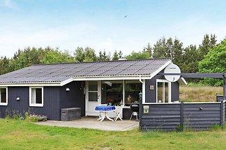 Ruhiges Ferienhaus in Jerup mit Terrasse
