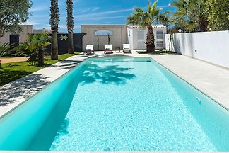 Luxurious Holiday Home in Marsala with Pool