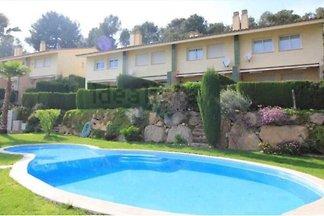Schönes Anwesen auf 2 Ebenen in Sant Feliu de...