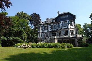 Geräumige Villa in Spa mit geräumigem Garten