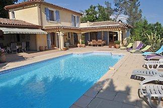 Villa moderne à Carcès avec piscine