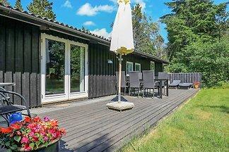 Gemütliches Ferienhaus in Ålbæk mit Terrasse