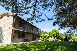 Prachtige cottage met zwembad in Dicomano,...