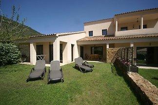 Moderne Villa in Coggia mit Balkon