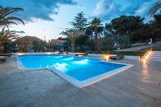 Großartiges Ferienhaus in Bibinje in der Nähe...