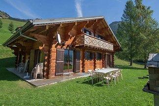 Geräumiges Chalet mit Sauna in Châtel,...