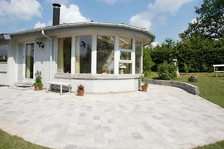 Luxus-Ferienhaus in Faxe mit Terrasse