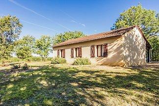Beautiful holiday home near Salignac-Eyvigues...