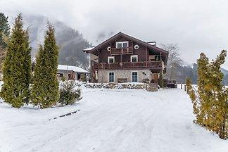 Modern vakantiehuis in Neukirchen am Großvene...