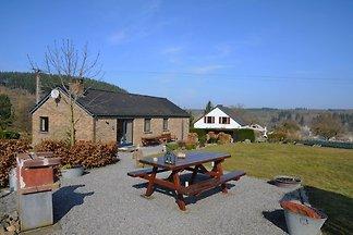 Luxuriöses Ferienhaus in Hotton mit Garten