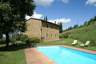 Spacious apartment furnished in Italian style...