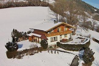 Geräumiges Chalet mit Sauna in Skigebietnähe ...