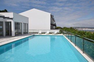 Attraktive Villa mit Swimmingpool in Salir Do...