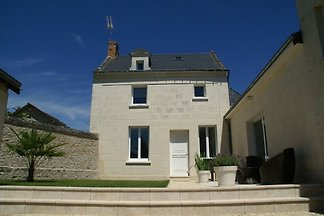 Luxuriöses Ferienhaus mit Rasen in Beaumont-e...
