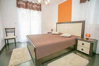 Schön eingerichtete Wohnung mit einem Schlafz...
