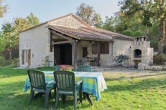 Schönes Ferienhaus in Mauroux mit...