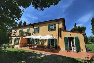 Geräumige Villa mit Pool in Marciano, Italien