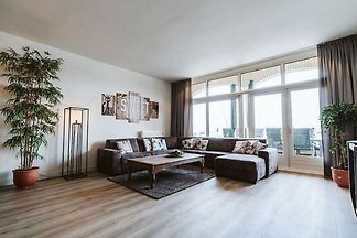 Atemberaubendes Apartment in Ouddorp am See
