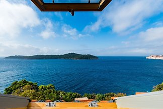 Serene Mansion in Dubrovnik with Private...